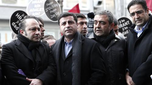 Tva kurdiska politiker dodade