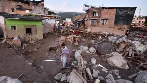 Over 130 doda i jordskred