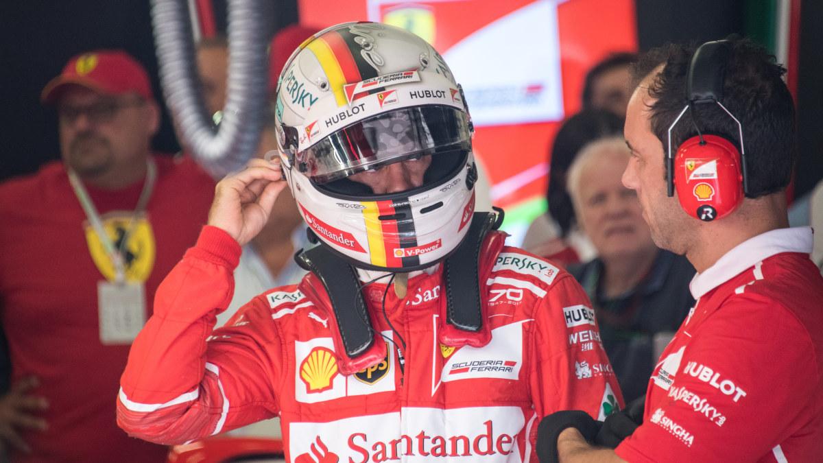 Rosberg straffas for motorbyte