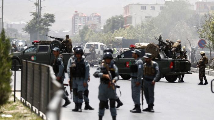 Talibanerna retirerar fran kunduz