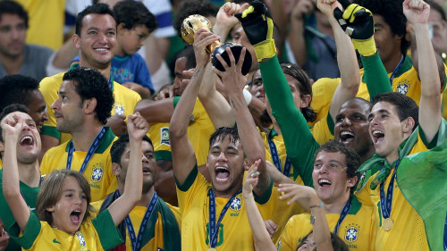 Brasilien arrangerar fotbolls vm