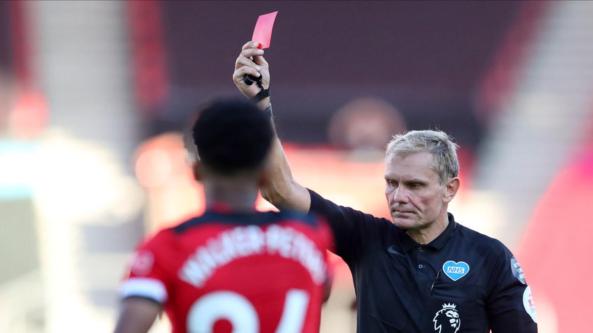 Engelska FA:s riktlinjer: Eventuellt rött kort för avsiktlig hostning under match