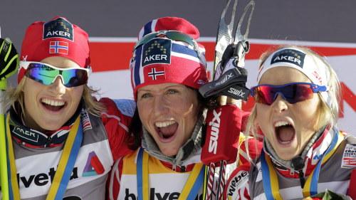 Svenska fans firar i festens mitt