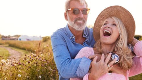 yngre kvinnor söker äldre män)