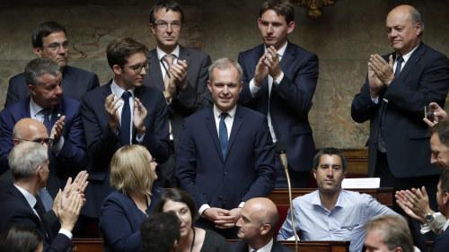 Fran hoger till vanster riksdagsledamoterna som tjanar mest