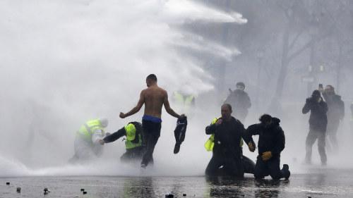 Valdsamma protester vid eu toppmotet i rom