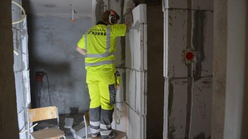 Har ar bilden som visar alla byggarbetares mardrom