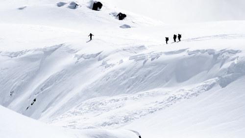 4bf18d6e8af Lavin skördade tre liv i schweiziska alperna | Utrikes | svenska.yle.fi