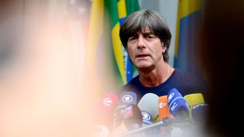 """Joachim Löw får sitta kvar som chefstränare trots det tyska VM-fiaskot   """"Han vill leda återuppbyggandet"""" bc8846e983d03"""