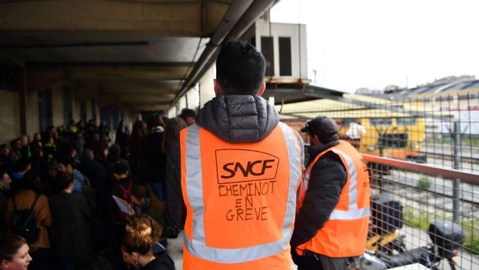 Lokforare hotar med strejk