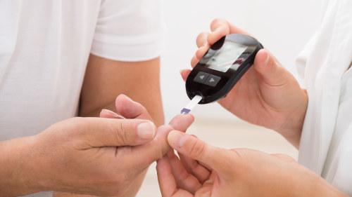 hur märker man diabetes