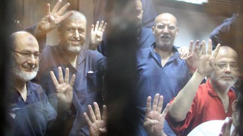Egypten tar emot fler skadade