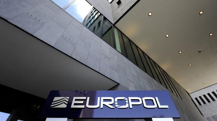 Europol varnar for falska euro