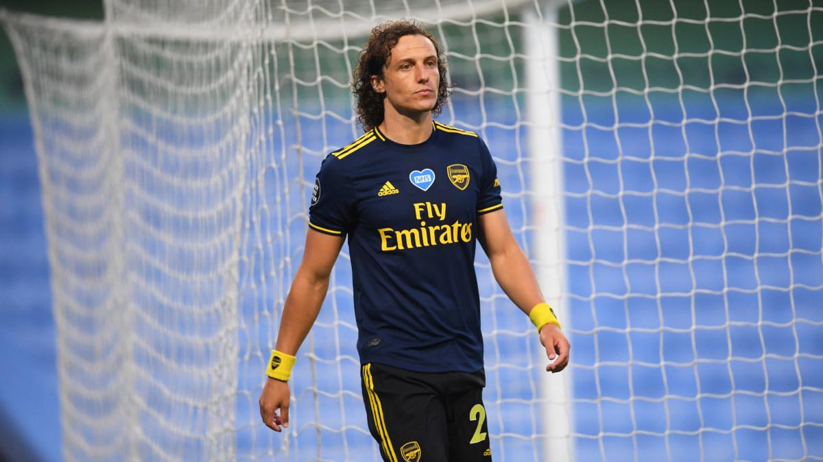 Trots mardrömsmatchen förra veckan – Arsenal förlänger med David Luiz