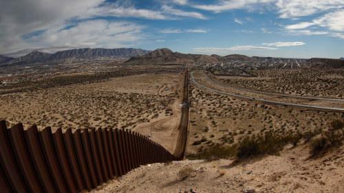 Mexiko trump har lovat tiga om muren 1