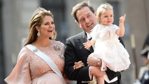 Prinsessan Madeleine tilsammans med maken Chris O Neill och dottern Leonore  på Sofias och Carl 9787e52933c13