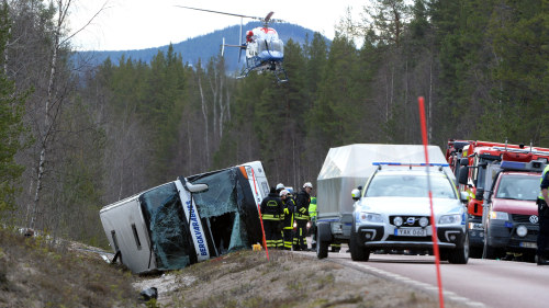 Minst 14 doda i bussolycka