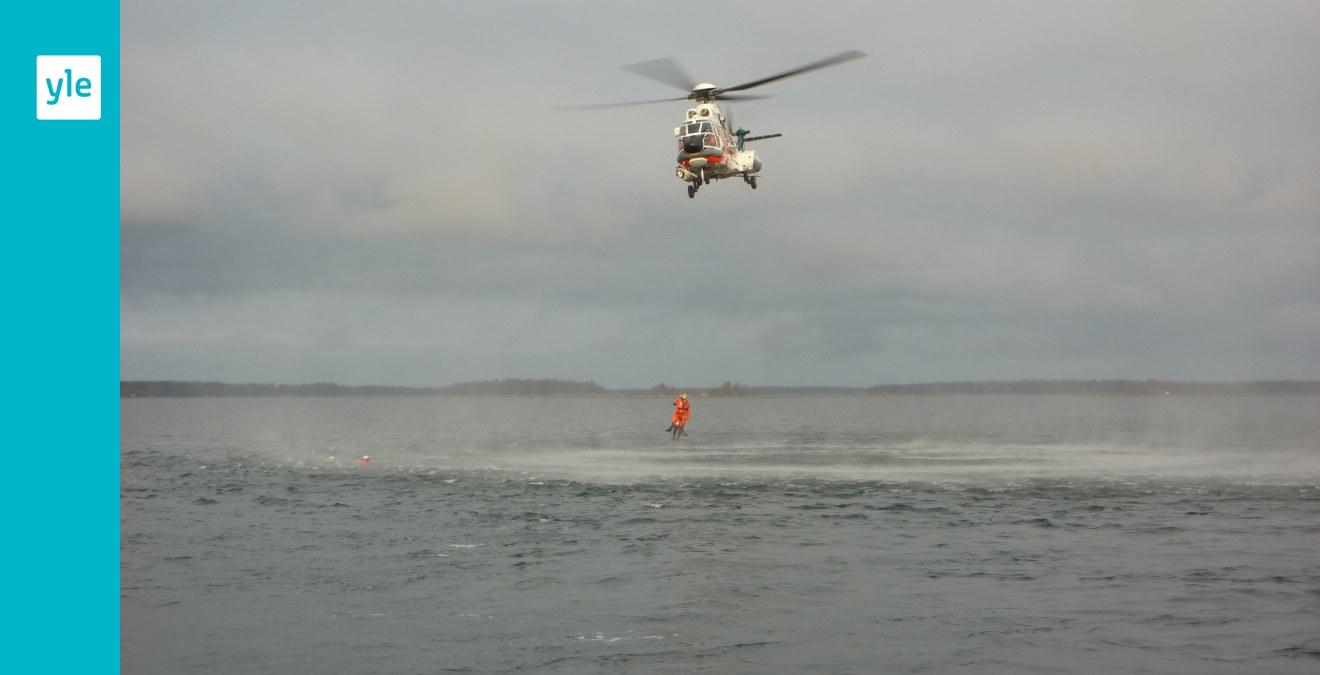 Flydde i helikopter presidenten jagas