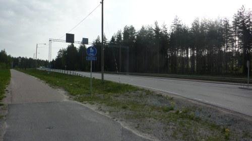 En död i trafikolycka på riksväg 25  1a7b8dbc548b4