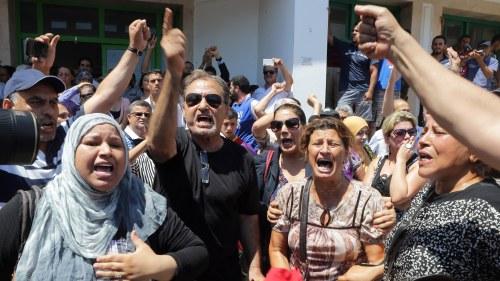 Politisk kris i tunisien efter mord