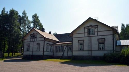 Tysk skola stangdes efter skolhot