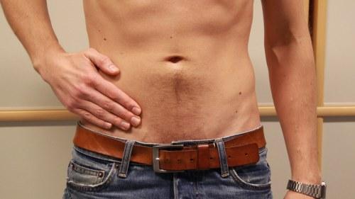 ont i magen höger om naveln