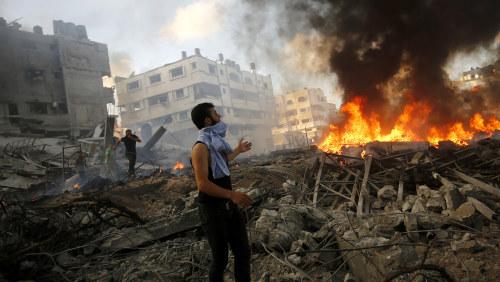Minst 100 skadade i explosioner i riyad