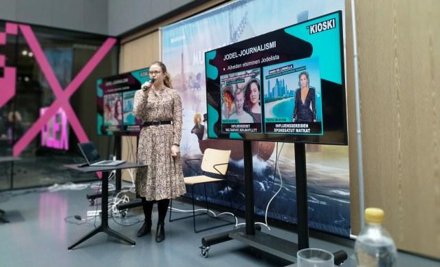 Yle Kioskin toimittaja Marleena Lammikko puhuu Ylen sisäisessä somedemossa Kioskin Jodel-journalismista