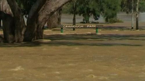 15 000 evakuerade i australien