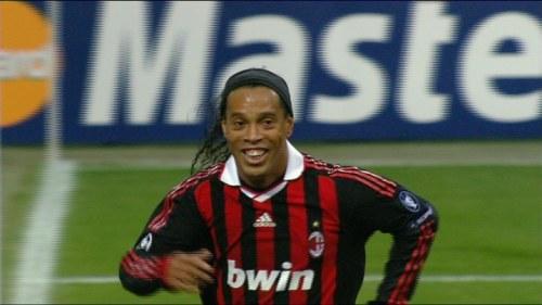 Ronaldinho overens med milan