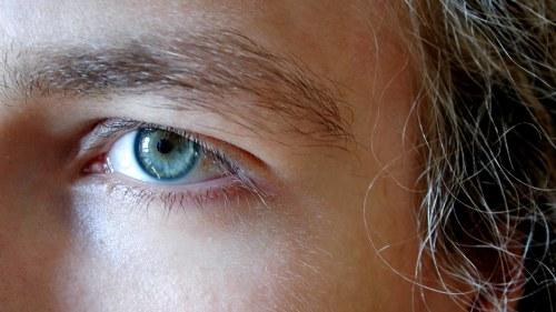 torra ögon på natten