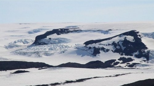 Vulkanutbrott nara pa island