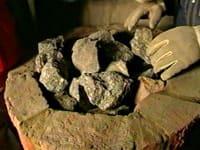 Ugnen fylls med 300 kg sten