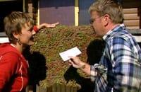Susanna och Johan bekantar sig med gröntaksmattan