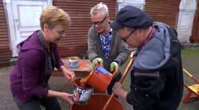 Jim, Johan och Susanna kokar färg
