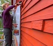 Susanna målar vägg class=