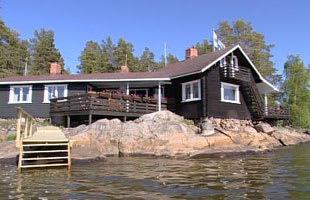 Ulla och Timo Lehtinens sommarstuga i Jakobstads skärgård