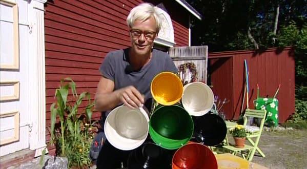 Jim med den färdiga burkhyllan