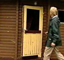 Den gamla dörren var ingen vacker syn