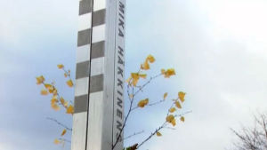 En bild på Mika Häkkinens monument