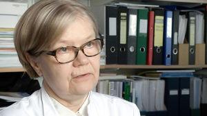 Professori, ylilääkäri Eija Kalso.