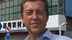 Anders Sultan är VD för företaget Ion Silver som tillverkar kolloidalt silver i Sverige.