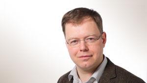 Patrik Schauman arbetar för Svenska Yle nyheter