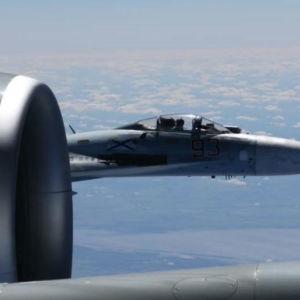 Ryskt jaktplan av modellen Su-27 fotograferat från ett amerikanska spaningsflyg.