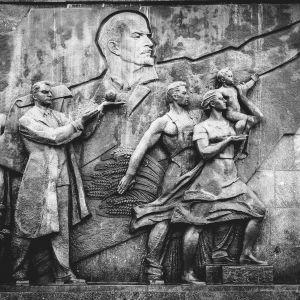 Lenin ja kommunismin aikainen seinäveistos