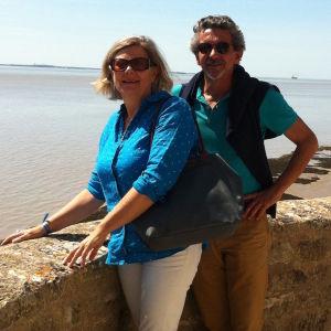 L'Hermione-Lafayette -yhdistyksen aktiiviset toimijat, lääkäri Marie Gautreau ja miehensä, Guy Gautreau, yhdistyksen tiedottaja, opettaja, rakastavat merta.