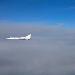 Två plan av modell Tupolev Tu-22M