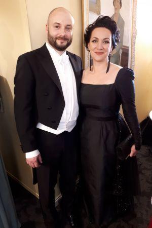 Vasabladets chefredaktör Niklas Nyberg och hans fru Fia på slottsbalen.