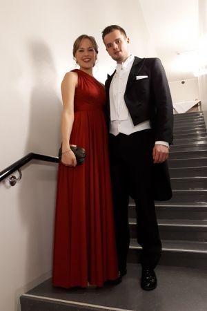 Årets kock Mattias Åhman och hans sambo Anna Lundberg på slottsbalen.