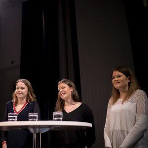 Vinnarna i debattävlingen 2018 från Borgå gymnasium.